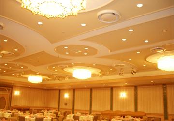 宴会場天井照明